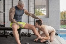 Musky Muscles: Ryan Cage & Ricky (Bareback)