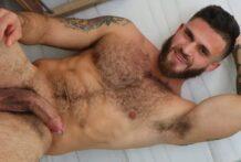 Bearded Hairy Hunk Cash Mahomes
