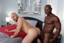 Big And Bigger! Aaron Trainer & Parker Logan (Bareback)