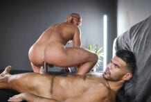 Leon fucks Saverio (Bareback)
