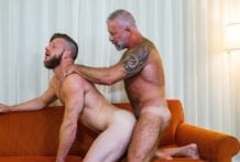 My Hot Roommate: Brian Bonds & Lance Charger (Bareback)